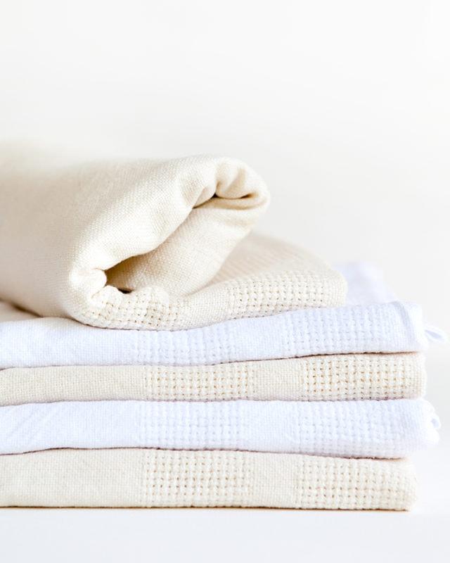 Mungo-Organic-Cotton-Cot-Baby-Blanket-01