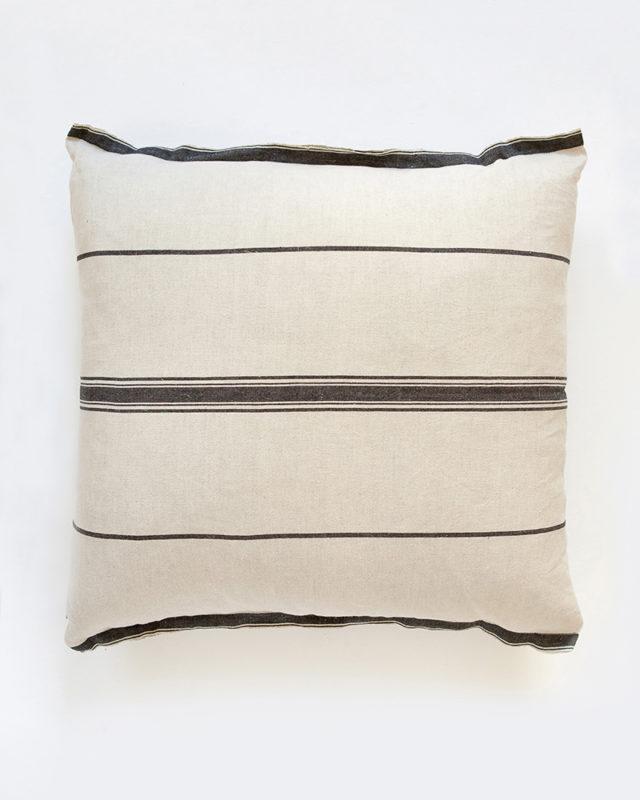 Mungo-Lisburn-Linen-Cushion-01