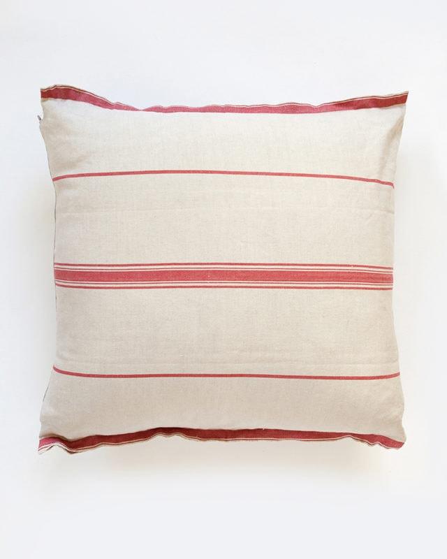 Mungo-Lisburn-Linen-Cushion-02
