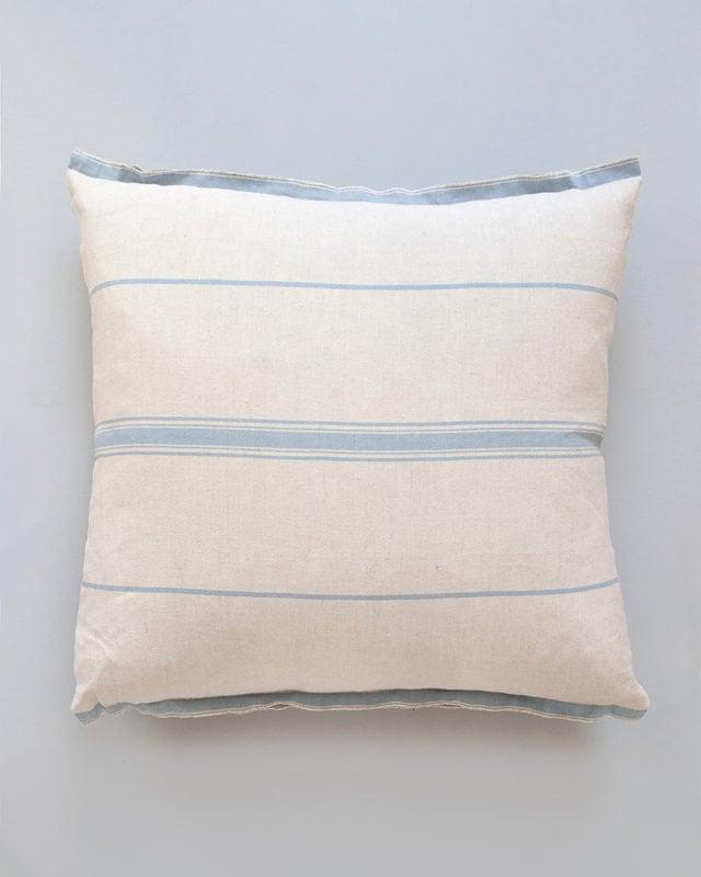 Mungo-Lisburn-Linen-Cushion-03