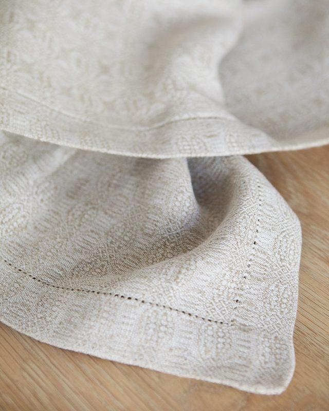 Mungo weave detail of cloverleaf Napkin