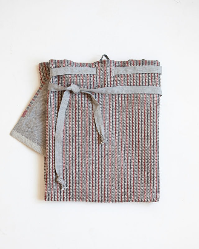 Mungo cotton Man Cloth. A versatile kitchen cloth or apron. Design, woven, made at the Mungo Mill in South Africa
