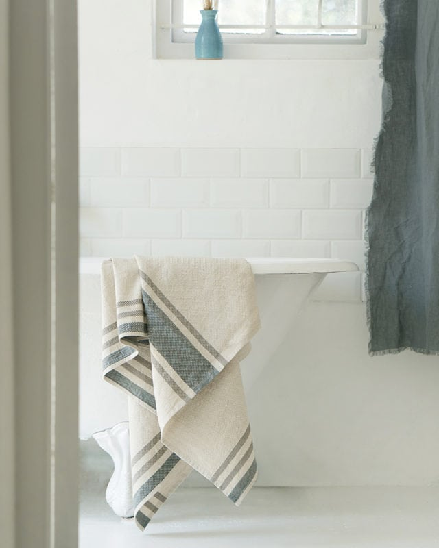 Mungo Huck Towel, for bath, pool or beach. A flat weave towel woven with organic cotton & linen at the Mungo Mill in South Africa