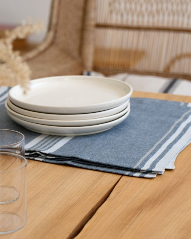Mungo Warp Stripe Placemats. Natural fibre placemets with a true selvedge & stripe details. Woven in South Africa at the Mungo Mill.