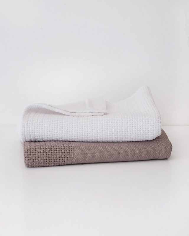 Mungo GOTS Baby Blankets. Woven from 100% GOTS-certified organic cotton at the Mungo Mill in Plettenberg Bay, South Africa